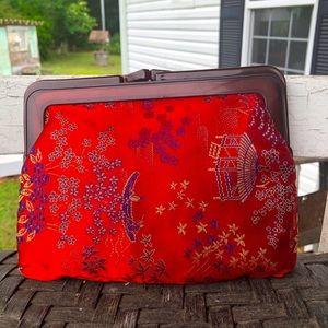 "Oriental Asían Red Print Clutch 5"" x 7"""